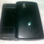sony-ericsson-xperia-duo-open-back_12944557612